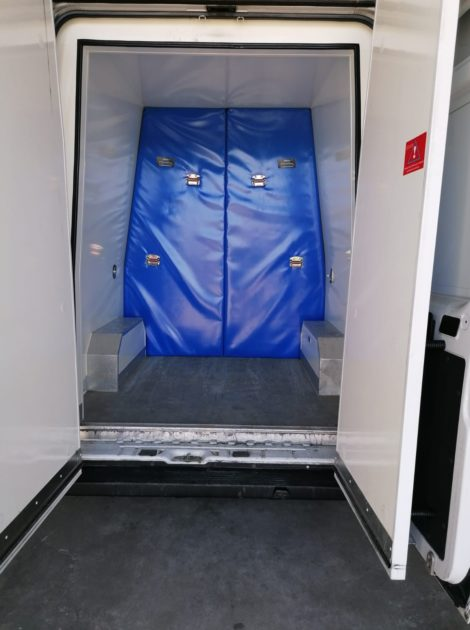 Perete despartitor izoterm pentru Van frigorific 02